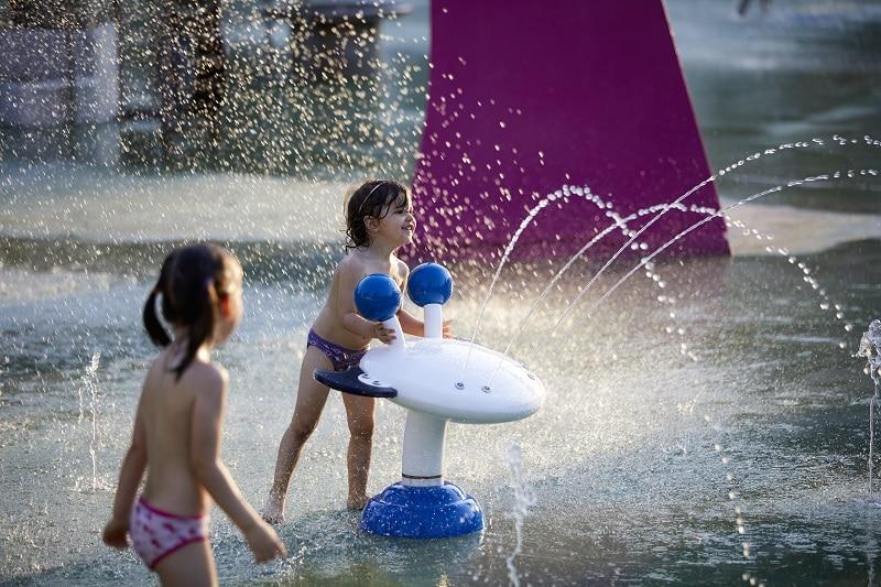 Diferentes texturas del agua del Splashpad® hacen que la experiencia de juego sea mágica