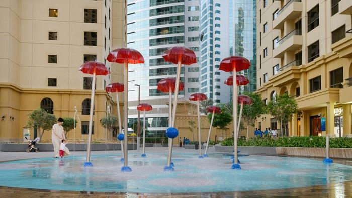 parque de agua VORTEX en Complejo residencial Jumeriah Beach en Dubai