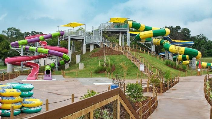 Toboganes parque acuático VORTEX