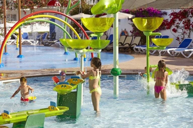 Nuestros parques de agua se adaptan al espacio de tu hotel