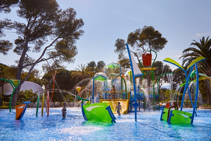 Splashpad de VORTEX en el Complejo Playa Montroig Camping Resort