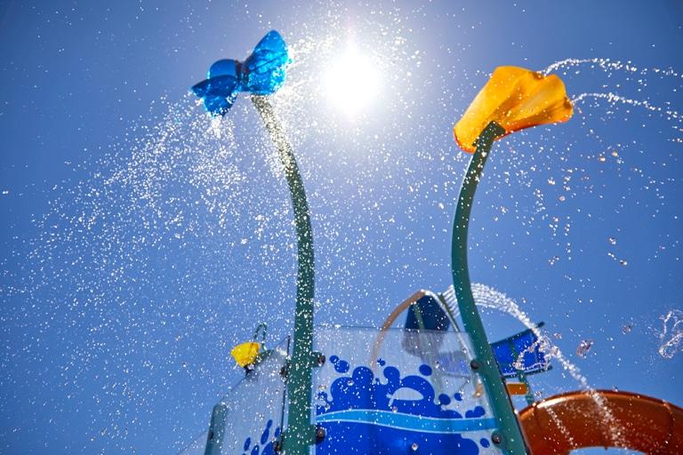 Cómo iniciar un proyecto contract en hoteles con juegos acuáticos