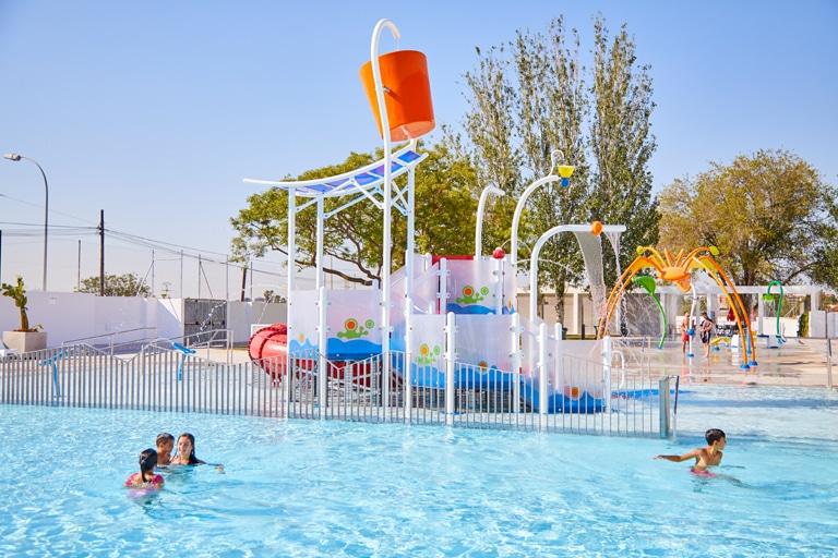 Rehabilitación de piscinas municipales incluyendo parque de agua sin profundidad