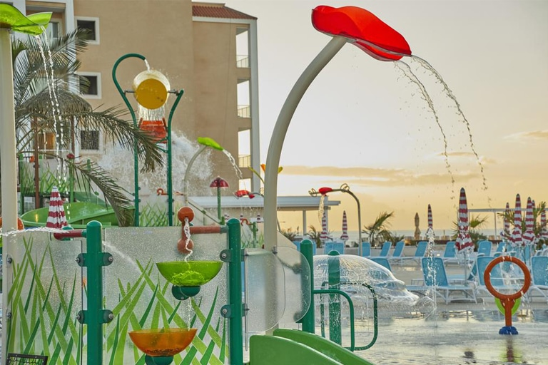 Proyecto contract de hotel con parque acuático: éxito asegurado