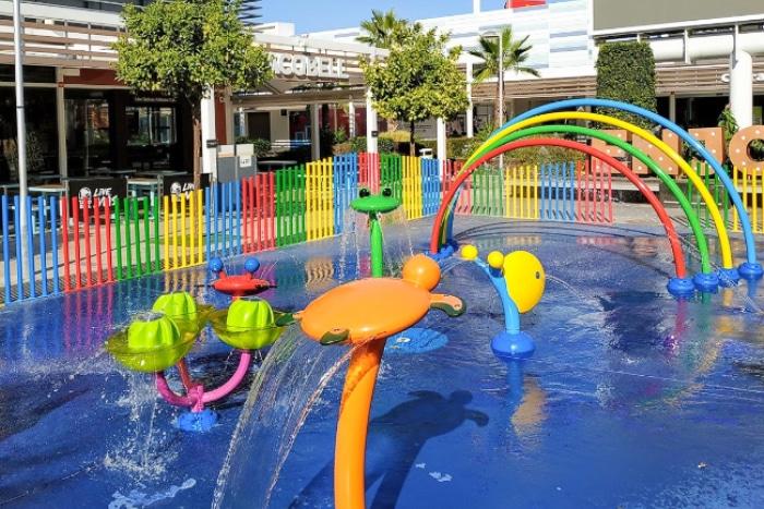 Parque de agua en el centro-comercial Ikea Luz Shopping Resort