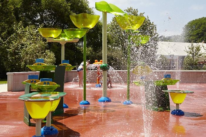 Parque de agua de VORTEX en el centro deportivo Paco Yoldi