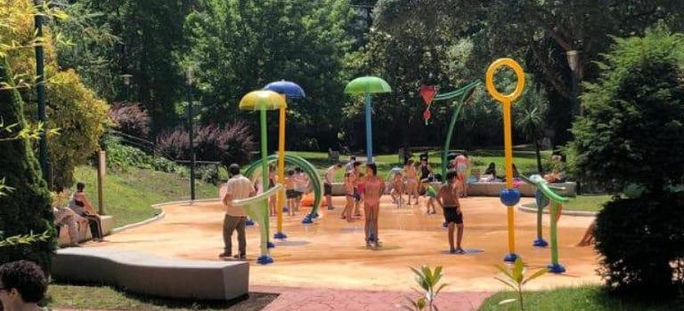 Parque de agua urbano en Arrasate