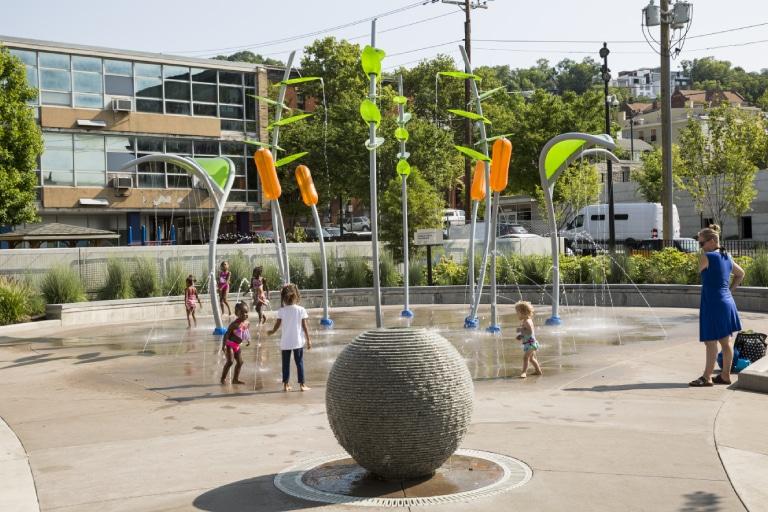 Parques de agua en superficie como fuente de sostenibilidad urbana
