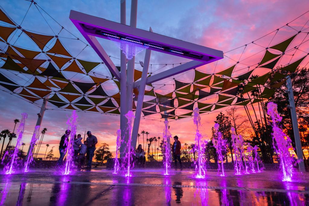 Fuente lúdica sostenible de VORTEX en Pioneer Park (Arizona)