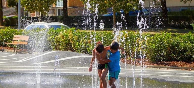 Proyectos urbanos sostenibles con soluciones de ocio acuático