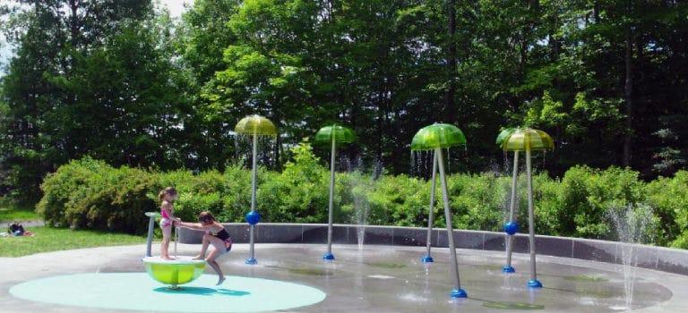 Integrar parques de agua sin profundidad en el diseño de proyectos turísticos